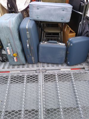 5 pieces of luggage ! Maybe 7 for Sale in Port St. Lucie, FL