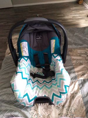 Evenflo infant car seat for Sale in Grand Prairie, TX