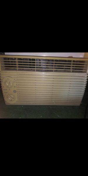 Ge ac air conditioner window unit for Sale in Las Vegas, NV