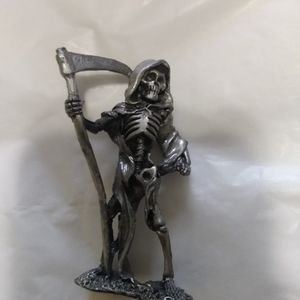 Pewter Figurine 3 In Grim3 for Sale in Aberdeen, WA
