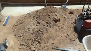 Free clean fill dirt in Moreno Valley for Sale in Moreno Valley, CA