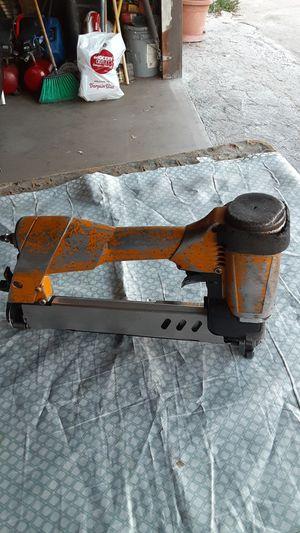 Bostich 16 ga staples 1 pulgada de ancho for Sale in E RNCHO DMNGZ, CA