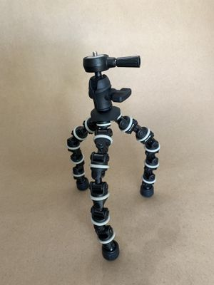 Gorilla pod for small cameras or GoPro for Sale in Whittier, CA