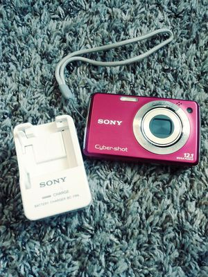 Pink sony camera for Sale in Lakewood, CO