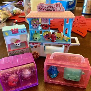 Shopkins Sets With Assorted Shopkins for Sale in Corona, CA