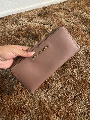 Michael kors wallet for Sale in San Diego, CA