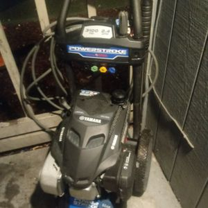 Yamaha Power Stroke 3100 Psi Pressure Washer for Sale in Des Moines, WA