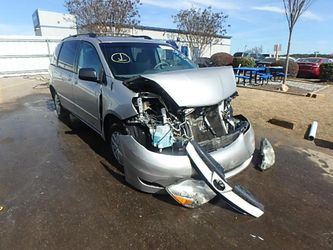 06 Sienna Transmission Only for Sale in Kissimmee,  FL