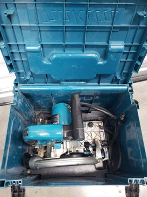 Makita Sp6000j Saw and 118 inch guide rail for Sale in Portland, OR