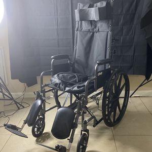 Wheelchair for Sale in Pompano Beach, FL
