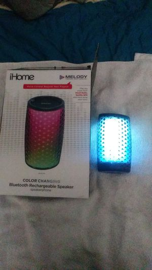 iHome Bluetooth speaker color changing for Sale in Orlando, FL