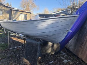 12 foot aluminum boat ( make is travelers) for Sale in Walnut Grove, CA