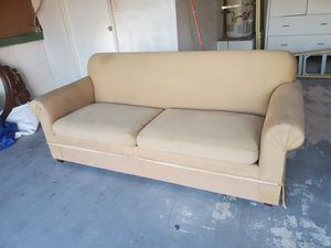 Sofa couch for Sale in Las Vegas, NV