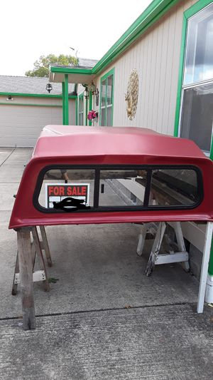 Canopy / Camper Shell Fits 98 Ford Ranger and small short bed trucks. for Sale in Vancouver, WA