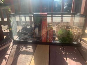 Zoo Med 40 gallon tank for Sale in Manteca, CA