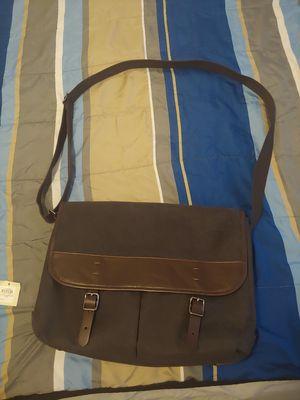 Fossil Buckner Messenger Bag in Black for Sale in Phoenix, AZ