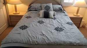 9 pcs Bed room set. Looks beautiful. Reduced price for Sale in Irvine, CA