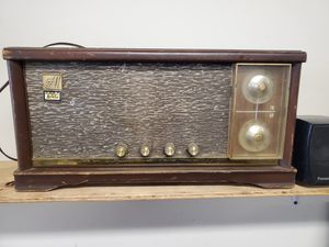 Vintage radio for Sale in Erie, PA