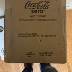 Coca Cola Zero Mini Fridge for Sale in Philadelphia,  PA