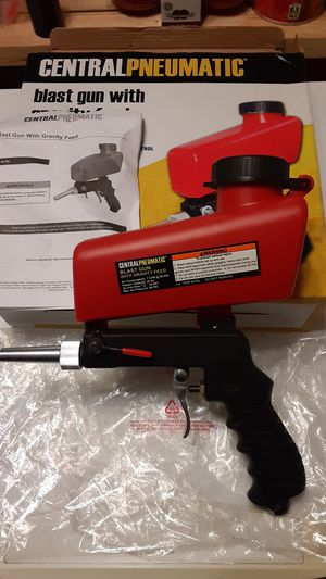 CENTRAL PNEUMATIC Gravity Feed Blaster Gun With 20 Oz. Hopper for Sale in Carmichael, CA