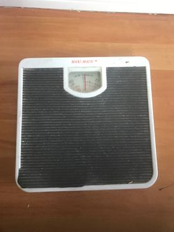 Vintage Maxi Matic bathroom scale for Sale in Medley,  FL