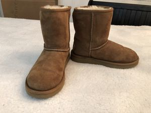 Ugg Kids Classic Short II Chestnut Suede Boots Size 2/ EU 32 for Sale for sale  Silverdale, WA