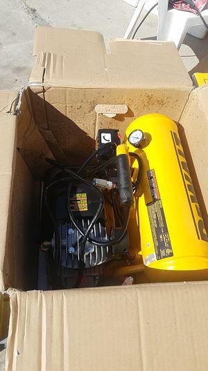 DeWalt Heavy Duty 4 gallon 1.1hp continuous electrical stock tank contractor air compressor model d55153 each for Sale in Glendora, CA