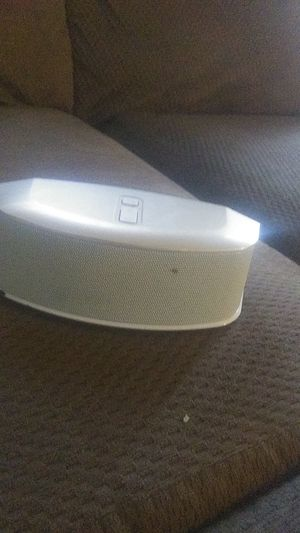 Nice speaker model UZ-SPB64 for Sale in Winooski, VT