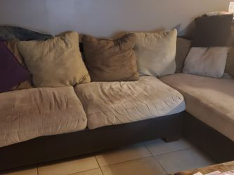 Couch, Sectional, Brown for Sale in Hollywood,  FL