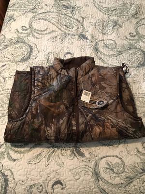 New Reversible (brown-Camo) Realtree Vest for Sale in Pass Christian, MS