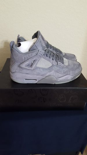 Jordan retro 4 KAWS Size 9 for Sale in Waverly, FL