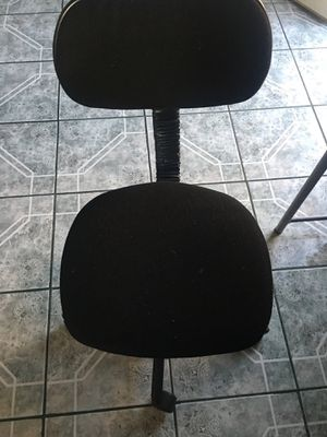 Free desk and chair for Sale in El Cajon, CA