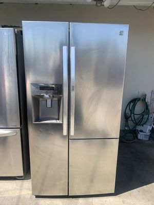 Kenmore refrigerator for Sale in Fontana, CA