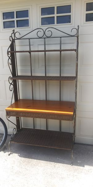 Wicker and metal shelf unit for Sale in Kissimmee, FL
