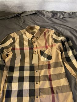 Burberry Button Down Shirt for Sale in Los Angeles,  CA