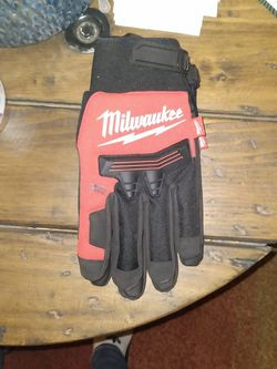 Milwaukee Gloves for Sale in Peoria,  IL