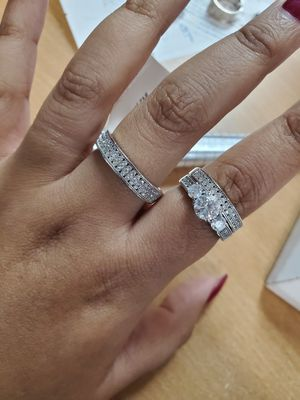Silver wedding set ring for Sale in Marietta, GA
