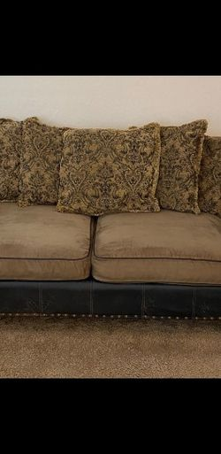 Quality, Comfy Couch for Sale in Las Vegas,  NV
