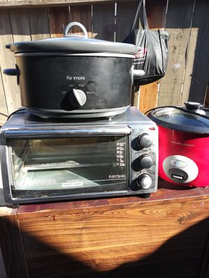 Crock-Pot rice cooker toaster oven working condition $15 for all of them for Sale in Fresno, CA