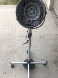 Mefeir Stand Alone Hair Dryer for Sale in San Clemente,  CA