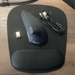 vertical computer mouse + comfort mouse pad for Sale in Spokane,  WA