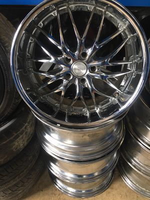 20 inch staggered rims 5x120 chrome for Sale in Cleveland, OH