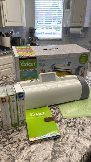 Cricut Expressions 2 for Sale in Fresno, CA