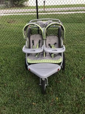 Instep Safari double jogging stroller for Sale in Okeechobee, FL