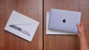 New Apple Silver MacBook Air Retina 8gb 128gb for Sale in Franklin, TN