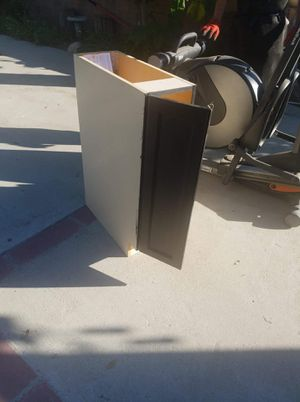 Small kitchen cabinet for Sale in Los Angeles, CA