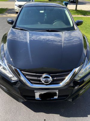 Nissan Altima S *black* with tints *mint condition* for Sale in Ontarioville, IL
