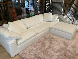 "45"" Depth Luxe Cloud Sectional Sofa Couch Modular - 100% Perfect - PRICE FINAL for Sale in Los Angeles,  CA"