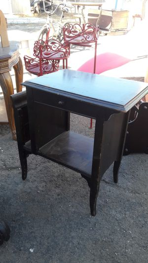 Antique magazine table for Sale in Bloomington, CA