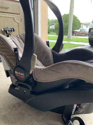 Britax rear facing car seat & base for Sale in Miami, FL